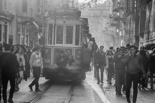 Διασχίζοντας την Κωνσταντινούπολη με τραμ / Crossing Istanbul by tram