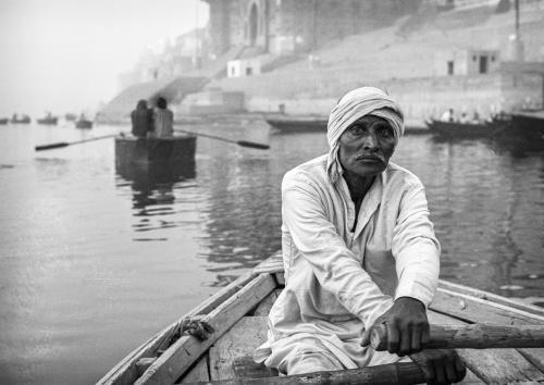Στον ιερό ποταμό / Down the Ganges