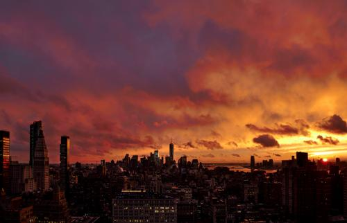 Sky Ablaze / Φλεγόμενος ουρανός  Manhattan Rooftop, December 2016 / Στέγη Μανχάταν, Δεκέμβριος 2016