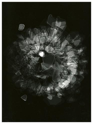 Φωτόγραμμα Μικρή Καρδία μέσα σε δίνη από σπασμένα γυαλάκια που βρήκα στην θάλασσα / Photogram Little Heart in a vortex  from broken small glasses I found in the sea