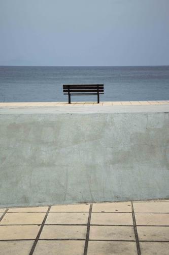 Το παγκάκι / The bench