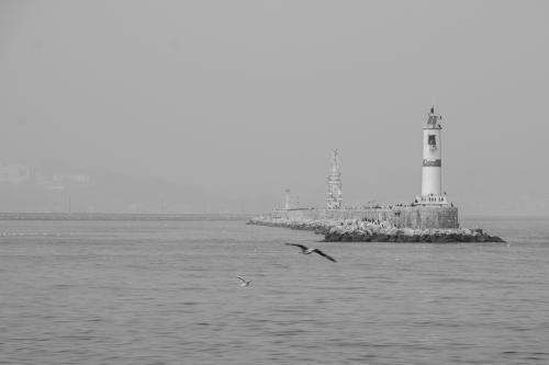 Μακρινός φάρος / Distant lighthouse